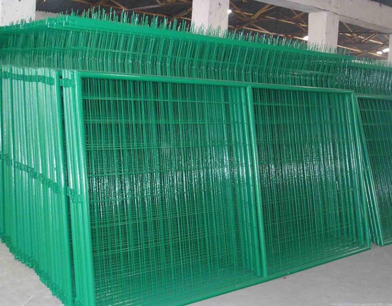山西围栏网厂供应围墙网防护网公路护栏网