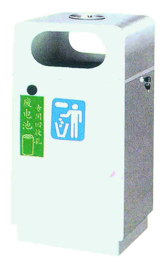 我公司供应车站垃圾桶,果皮箱,塑料垃圾桶,不锈钢垃圾桶等,欢迎您的咨询。 本产品属于双投口垃圾桶,两侧都可以投入垃圾,方便人们的使用,并且还设有电池回收孔,垃圾桶顶部还有烟灰盅,供于吸烟者灭完烟头后丢入垃圾桶。 详细信息以及产品您可以在线询问QQ245253261 联系人:肖先生 0816-2846179 13981193874