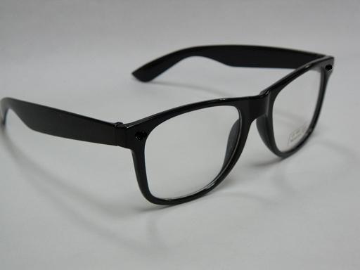 供应太阳眼镜,平光镜,框架眼镜,塑胶眼镜,板材眼镜