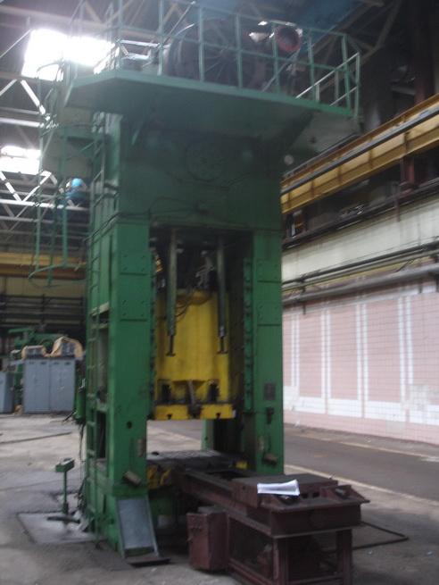 供应俄罗斯630吨闭式单点压力机