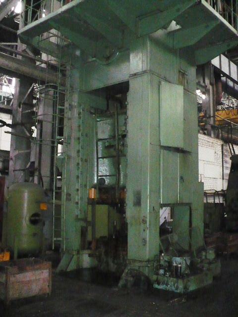 供应俄罗斯1000吨闭式单点压力机