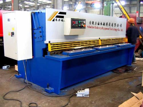 供应力福剪板机,QC12Y-6/3200液压摆式剪板机