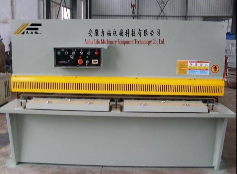 供应QC12Y-10/2500液压剪板机,2.5米剪板机报价