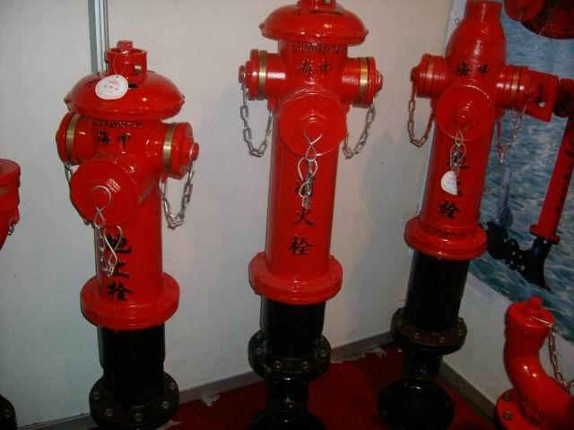 地上栓(消防器材)