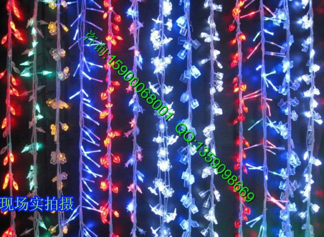 LED灯串 彩灯 圣诞节彩灯 串灯 婚庆装饰灯串 10米100头 品牌: 莎彩照明 型号: 红,黄,蓝,绿,白,四彩颜色分类: 黄色 蓝色 四彩 莎彩照明红色 白色 绿色灯具是否带光源: 带光源电压: 220V照射面积: 5-10平方米适合的光源功率: 0-5W工艺: 其它工艺光源类型: LED风格: 现代中式