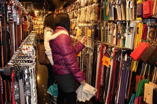 比加盟男包女包更好赚的皮具行业——荣霞皮带腰带加盟
