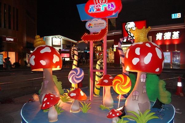 北京商场烤漆雕塑制作,dp点雕塑制作工厂
