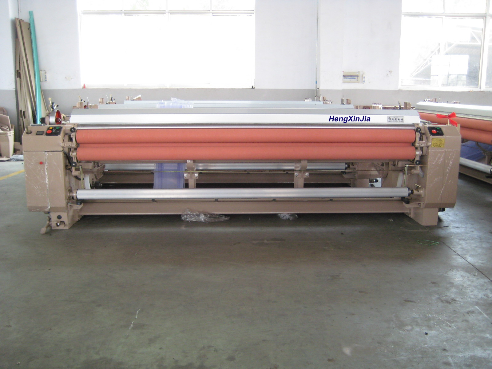 厂家供应各种高性能优质高速喷水织机