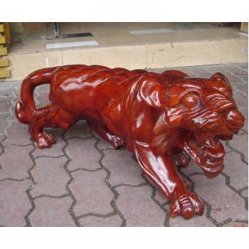 老虎雕刻工艺品_老虎雕塑(图片)