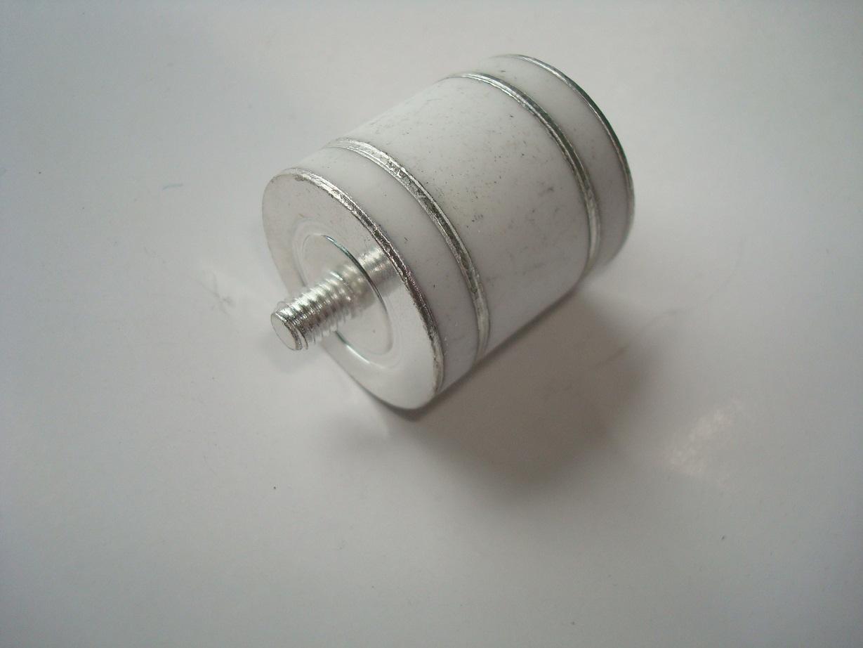 最新推出40-100KA陶瓷气体放电管Gas Tube Surge Arrester 严格按照TUV标准进行生产、监控和管理。技术性能指针达到或超过CEI IEC 61643-311要求及GB/T 9043-1999和YD/T694标准。 广泛应用于防雷设备,接地保护,电力设备,工业控制,防雷器等产品防浪涌保护。 产品型号: GT2R600P40KA,GT2R600P80KA,GT2R600P100KA GT2R1000P60KA,GT2R1000P100KA, GT2R1500P100KA 尺寸(mm)