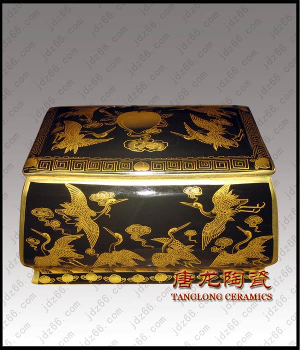 供应陶瓷骨灰盒 高档手绘骨灰盒厂家