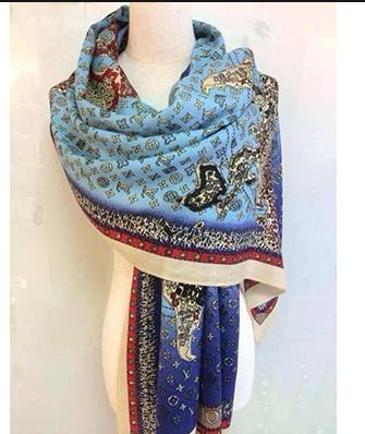 LV 世界地图女士羊绒围巾 时尚披肩