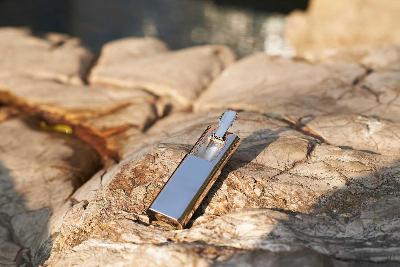 简狄供应优质的金属多变笔筒,纵享高品质